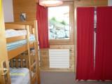 Chambre à 1 lit superposé et 1 lit pliant
